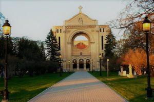 la-cathedrale-de-st-boniface-660x440